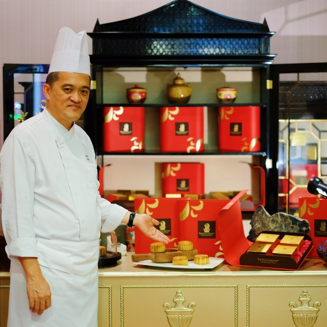 Chef Ken Lee the crafter of Ritz Carlton Premium Mooncake